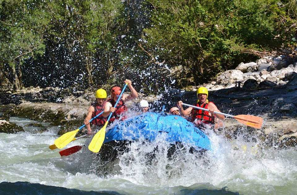 Alpesi-szállás-kalandok-rafting-2www.alpesikaland