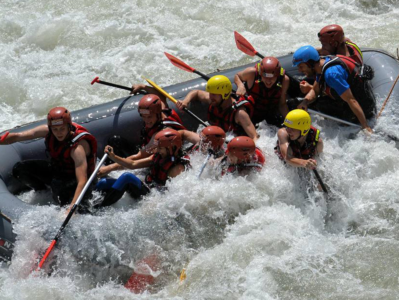 Alpesi-szállás-kalandok-rafting-www.alpesikaland.hu-editedjpg